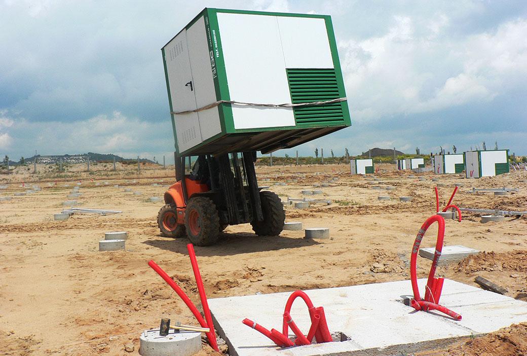 Instalación de caseta solar aislada