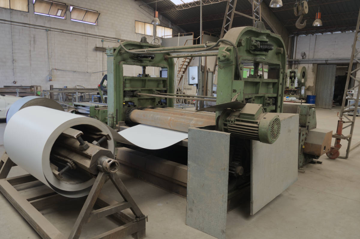 Maquinaria de corte de bobinas de acero